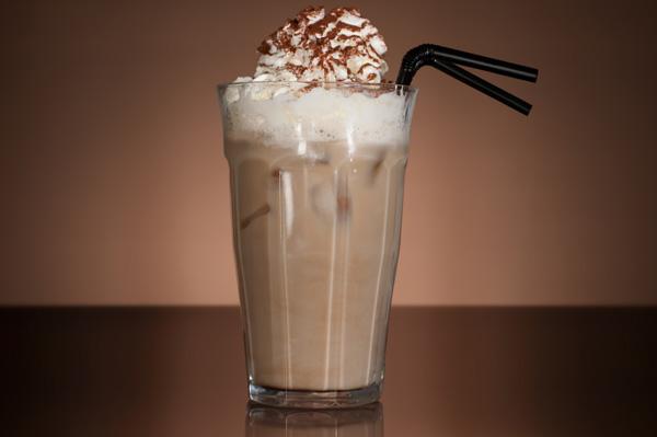 Kolay-Buzlu-Kahve-Tarifi